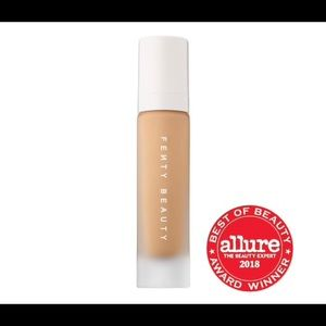 Fenty Pro Filt'r 300 Soft Matte Foundation